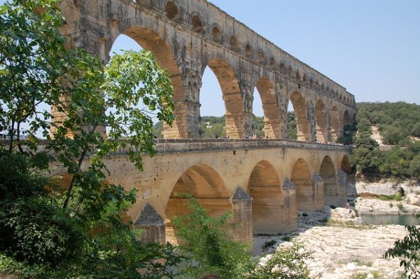 جسر جارد افينيون