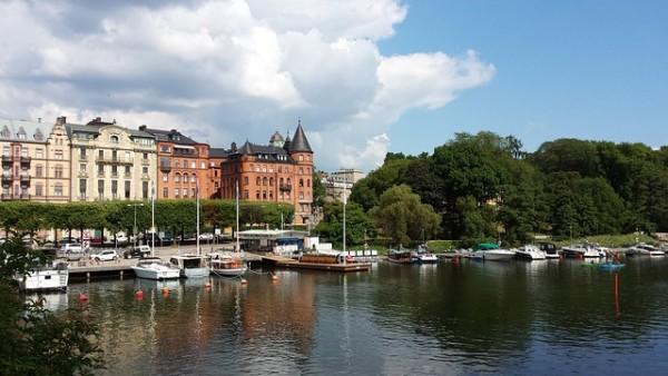 اللاجئين الذين لا يشملهم قانون الإقامة المؤقتة في السويد