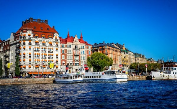 اغلاق 15 مركز لجوء في السويد