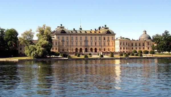 قصر دروتنينغهولم
