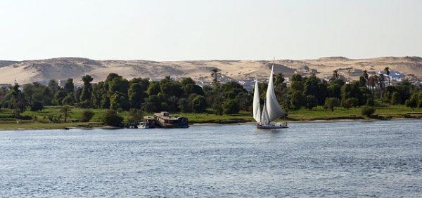 مصر تطلب تأشيرة مسبقة من المقيمين في الخليج