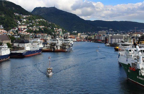 صورة السياحة في بيرغن النرويجية مدينة الهواء والنقاء وعبق التاريخ