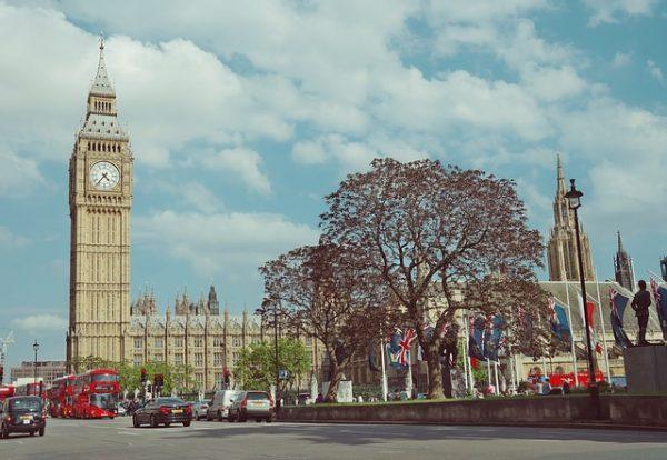 كسر فيزا بريطانيا والوضع القانوني المترتب عليه