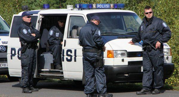 القبض على لاجئين في فنلندا بتهمة القتل والسرقة