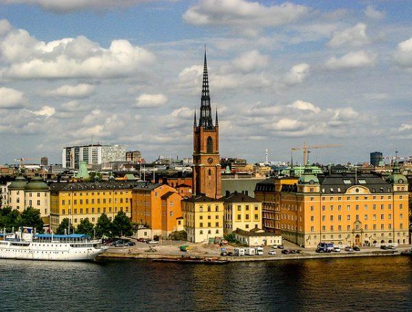 الهجرة الى السويد للسوريين من الامارات