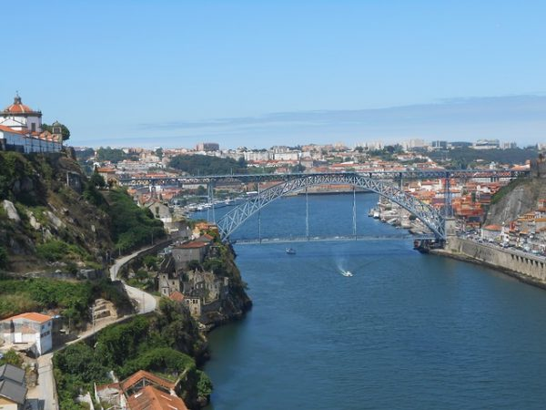 جسر ماريا بيا