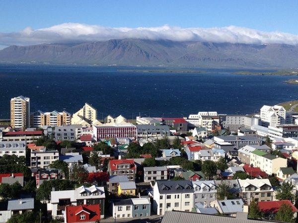 نصائح حول الهجرة والعمل والحياة في ايسلندا
