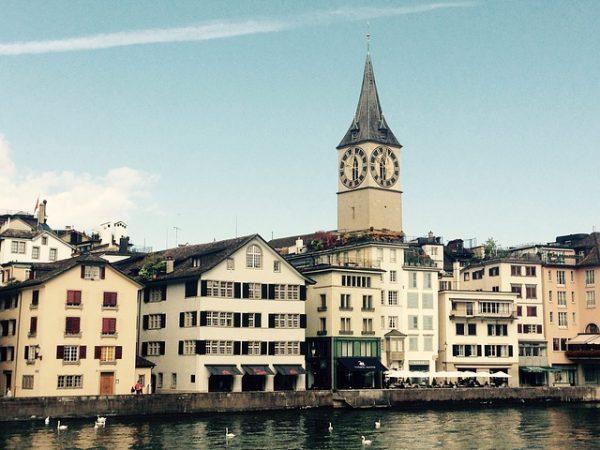اللجوء في سويسرا للجزائريين والمغاربة