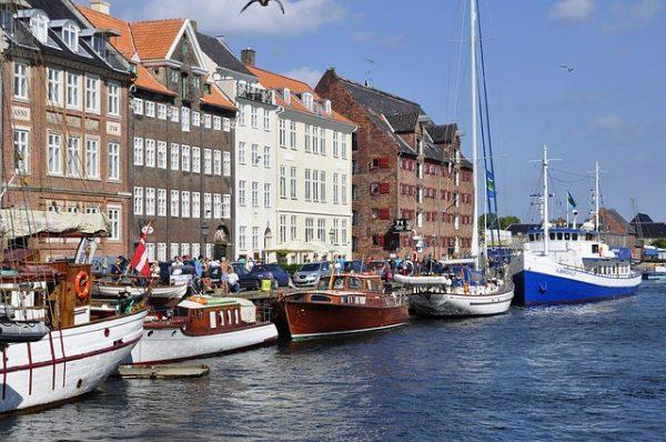 مميزات الهجرة والحياة في الدنمارك