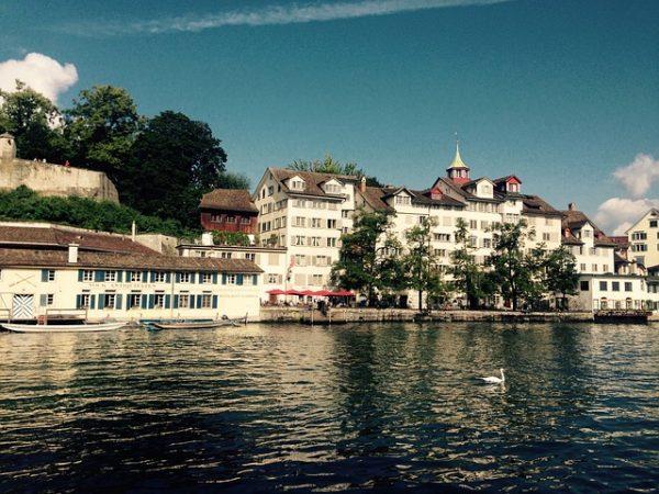 تأشيرة سويسرا الإنسانية