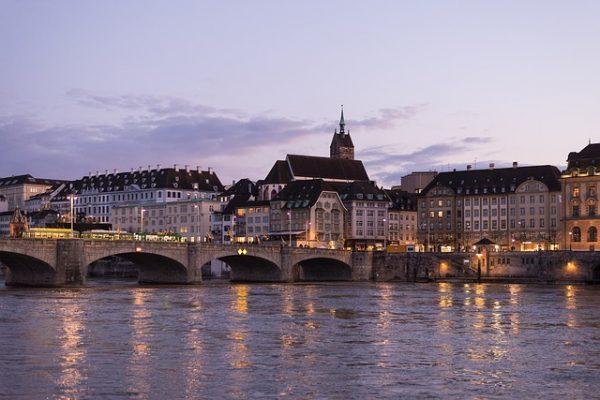 فرصة الحصول على اللجوء في سويسرا 2017