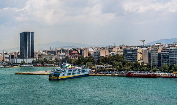 اعادة اللاجئين الى اليونان