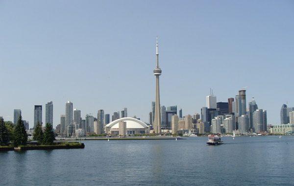 الهجرة الى كندا مجانا