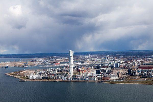 تقديم طلب لجوء الى السويد عبر الانترنت