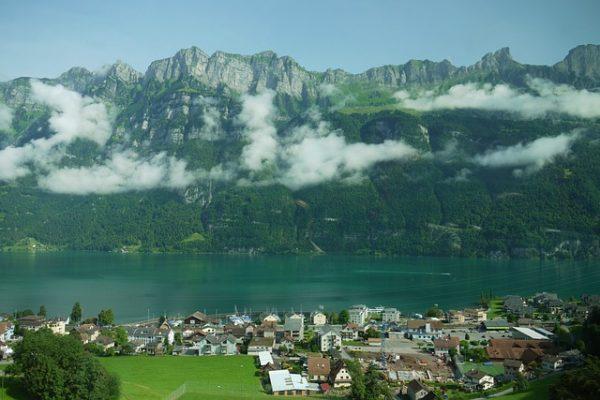 تراجع طلبات اللجوء في سويسرا