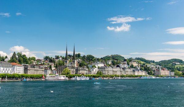 أفضل 10 أنشطة سياحية في سويسرا