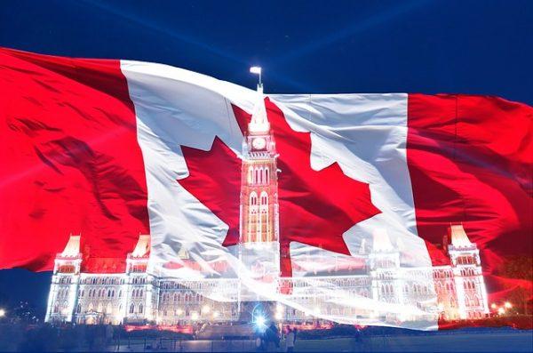 مميزات الاقامة الدائمة في كندا