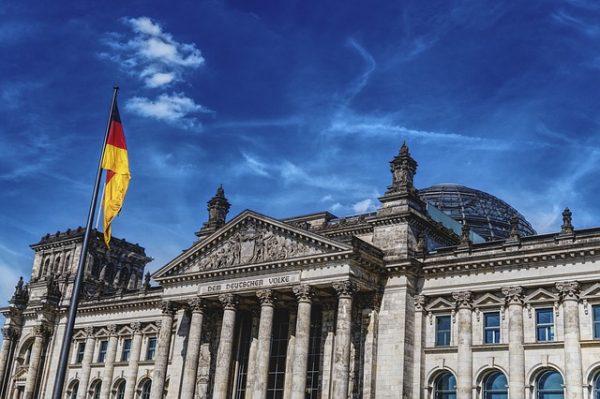 المانيا تسجل 15 ألف طلب لجوء في يوليو الماضي