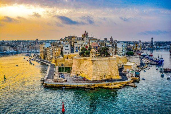 الاقامة الدائمة في مالطا