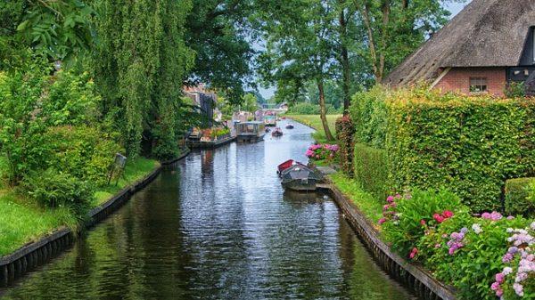 قرية جيثورن الهولندية