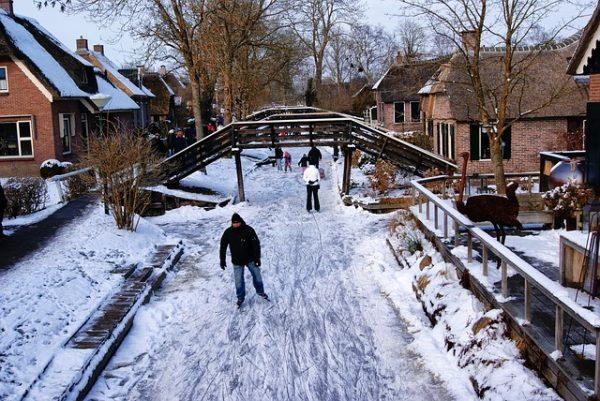 قرية جيثورن الهولندية في الشتاء