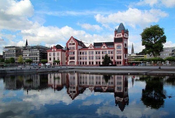 تحويل فيزا الدراسة الى عمل في المانيا