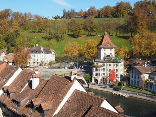 الهجرة إلى سويسرا : تعرف على الوثائق والشروط المطلوبة للهجرة