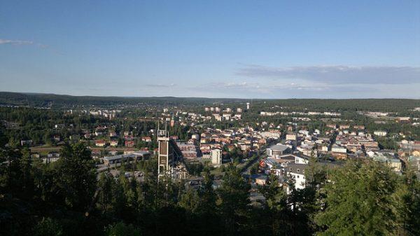 تقديم طلب لجوء انساني الى السويد