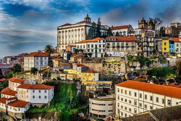 تقديم طلب لجوء الى البرتغال