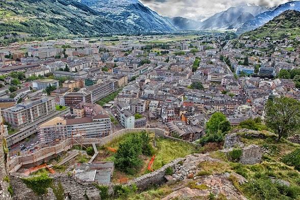 كيفية الحصول على الإقامة في سويسرا