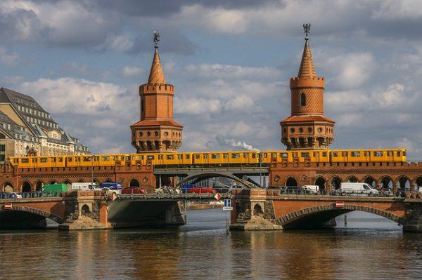 الإقامة المؤقتة سنة والإقامة 3 سنوات في المانيا