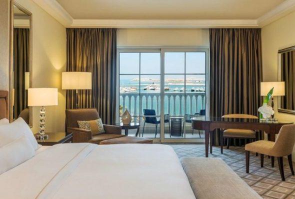 منتجع ومارينا ذا ويستن دبي شاطئ الميناء السياحي