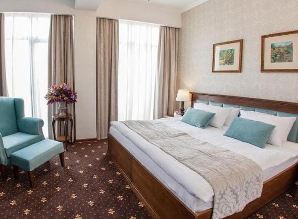 فندق لايرتون تبليسي