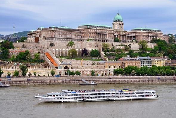 السياحة في بودا عاصمة هنغاريا