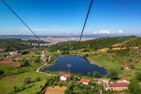 جولة سياحية بحديقة تيرانا