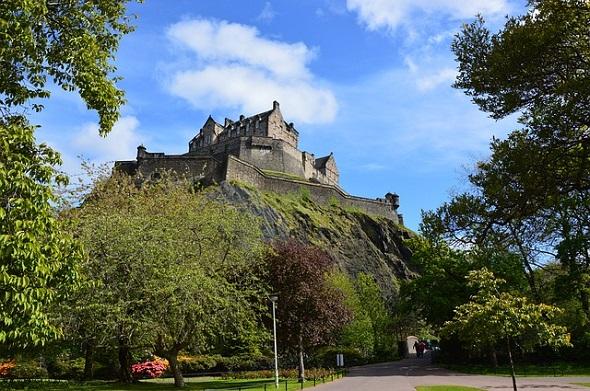 مدينة إدنبرة عاصمة إسكتلندا