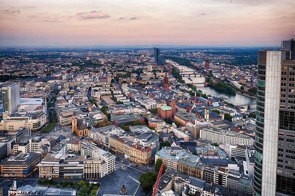 السفر الى فرانكفورت