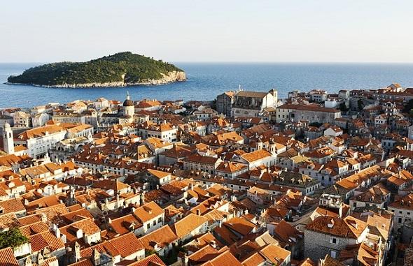 بلدة دوبروفنيك القديمة جوهرة كرواتيا
