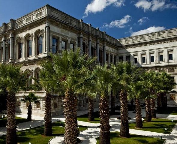 قصر شيراغان