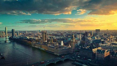 العمل في المملكة المتحدة بعد التخرج من الجامعة