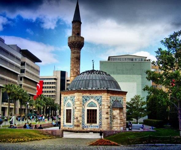 مسجد كوناك ازمير
