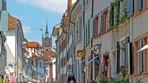 هل فيزا الشنغن تشمل سويسرا وهل سويسرا من دول الشنغن؟