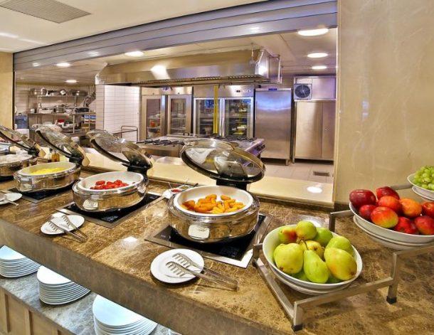 مطاعم فندق رامادا اسطنبول أولد سيتي