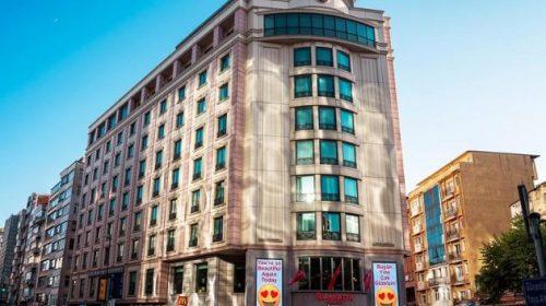 حجز فندق رمادا بلازا اسطنبول سيتي سنتر أسعار الفندق وأنواع الغرف والأجنحة
