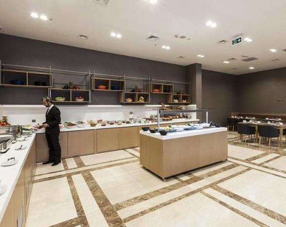 مطعم فندق رمادا اسطنبول أليبيكوي