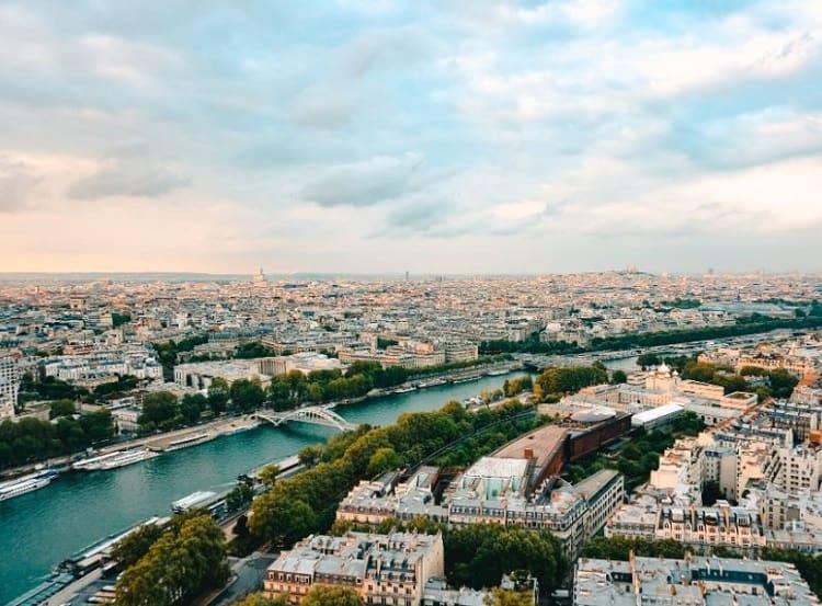 جولات باريس النهرية خلال شهر مايو